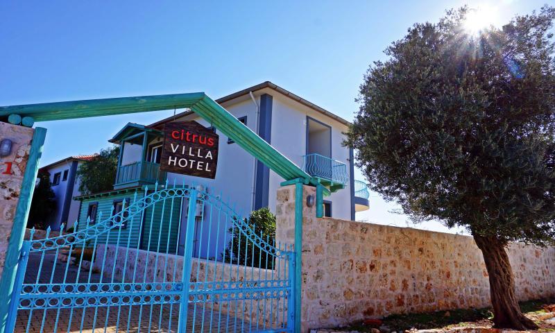 Citrus Hotel & Villa