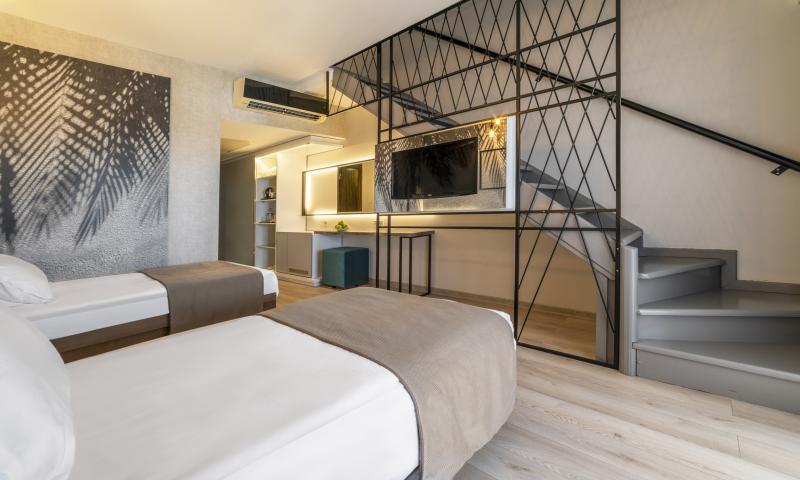 Hotel Dubleks Oda, Kara Manzaralı