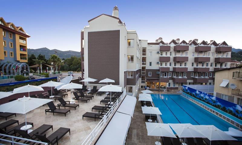 Comet Hotel Deluxe