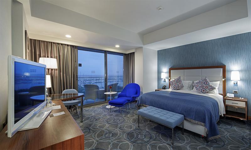 Marina Manzaralı Oda