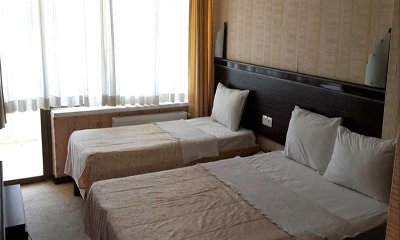 Deniz Manzaralı Balkonlu Oda