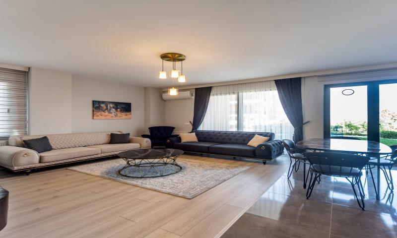 Executive Suite, İki Yatak Odalı, Deniz veya Havuz Manzaralı