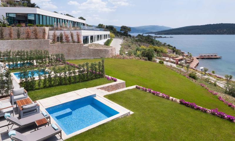 Villa With Garden Jacuzzi