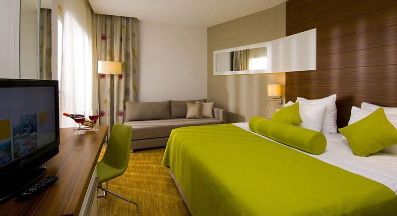 Otel Deluxe Aile Odası