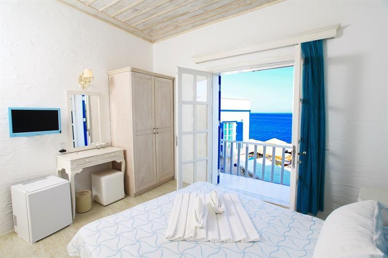 Standart Oda, Balkonlu ve Deniz Manzaralı