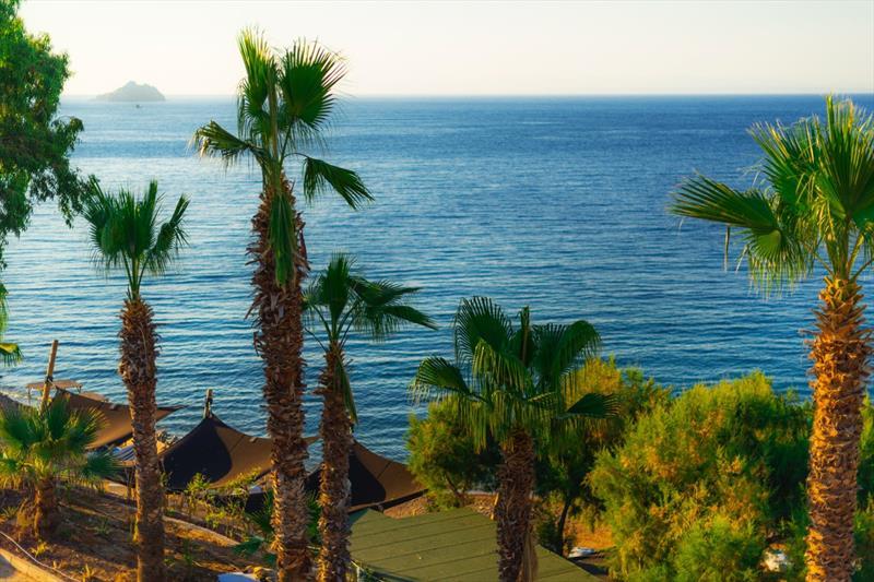 La Local Beach Hotel