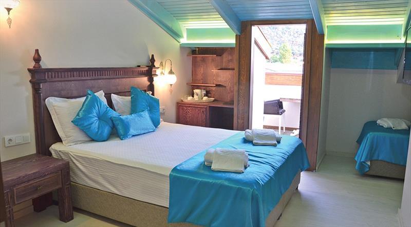 Çatı Katı Oda, Balkonlu