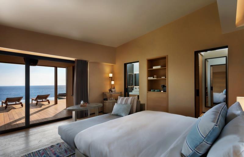Ridge Villa, Deniz Manzaralı ve Havuzlu