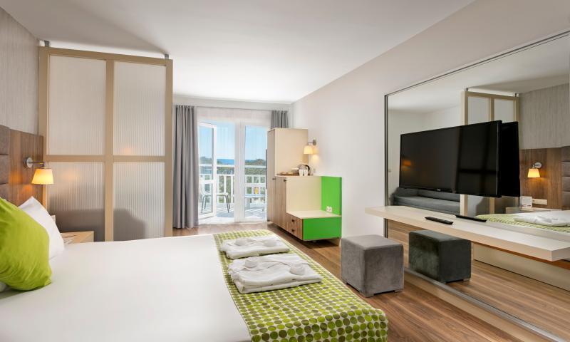 Otel Standart Deniz Manzaralı Oda