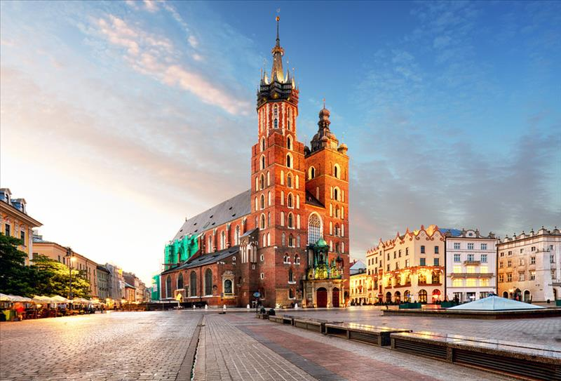 """Polonya'nın Tarihine Yolculuk """"Kerem Akan Eşliğinde"""""""
